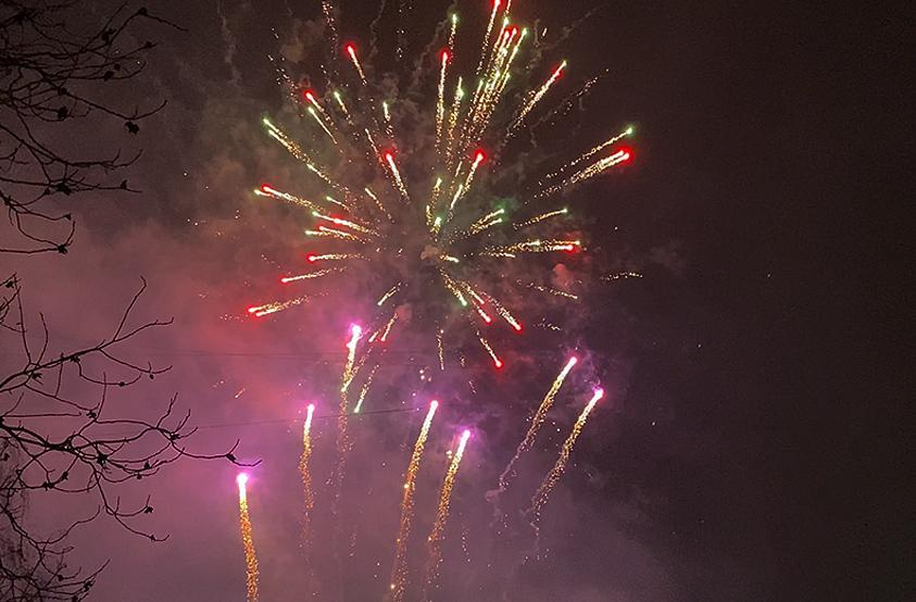 Park Firework. Come And Get It - John Newman
